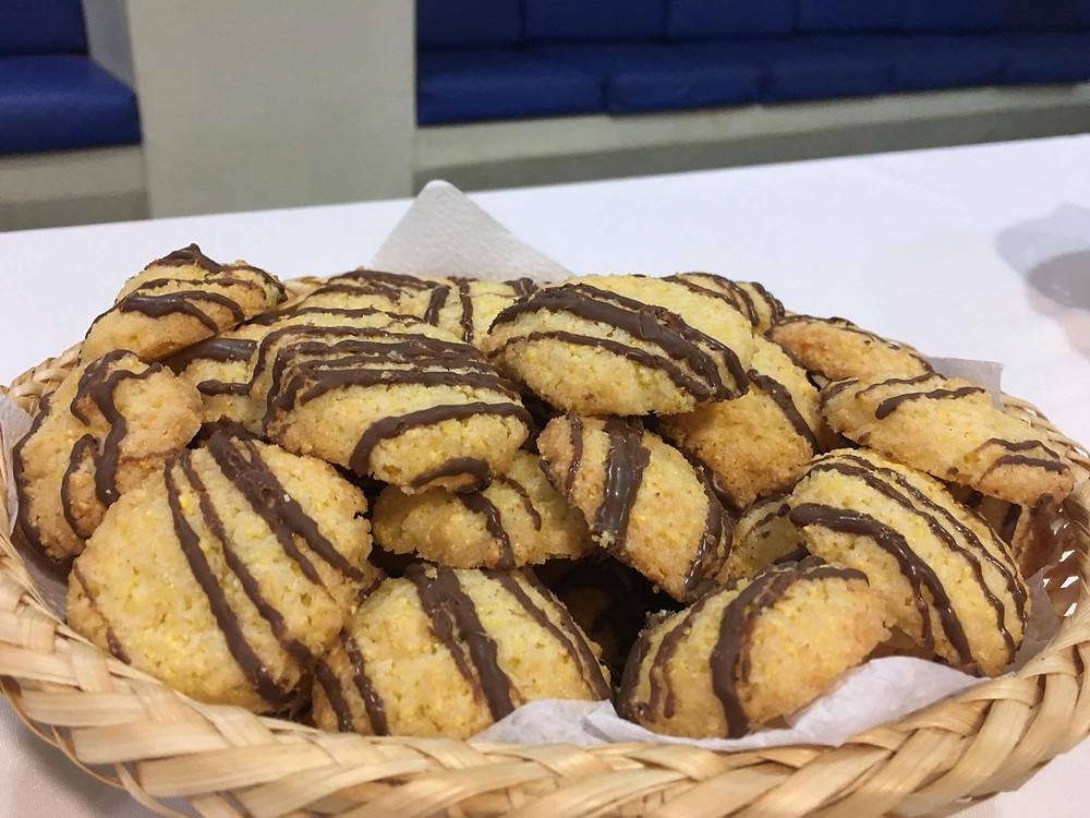 Biscoitos de côco | Ideal para adoçar a vida após um cafézinho