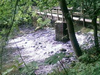 Walking along Tideswell Dale to Ravenstor