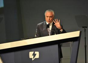 Reajustes, Argentina e aumento da gasolina, as matérias de quinta-feira