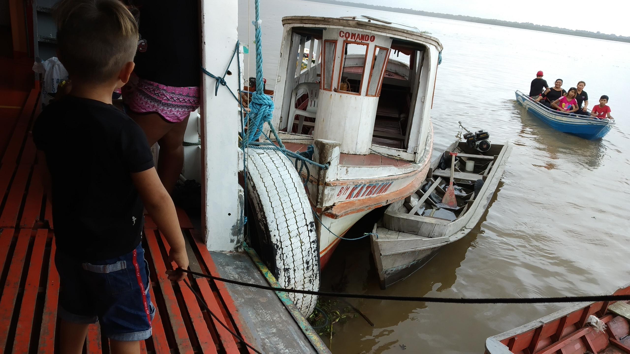 A principal forma de sustento é através da pesca de camarão e peixe