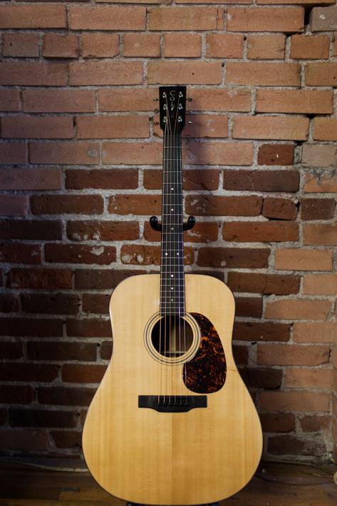 custom guitar builder
