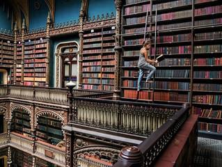 """""""Fotógrafo retrata amor pela leitura captando pessoas pelo mundo 'mergulhadas' em seus livros"""