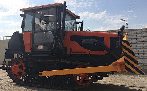 Трактор ВТГ-100