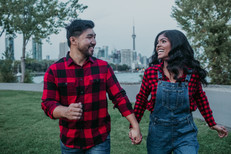 5 Tips for a Super Cute Engagement Shoot That Represents You and Your Love Story!