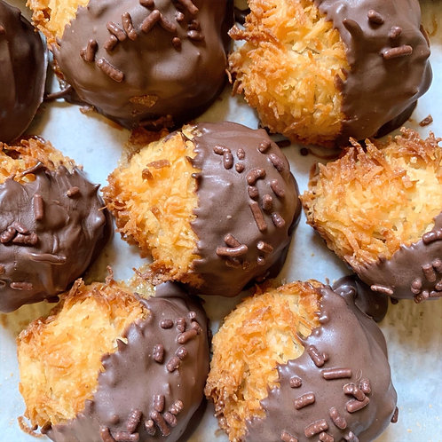 Chocolate Dipped Macaroon (3) (GF)