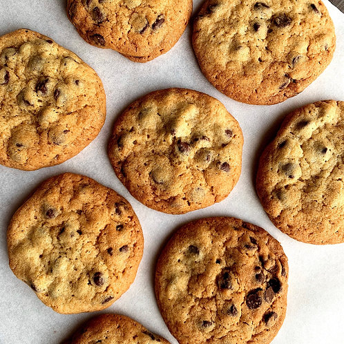FRESH BAKED Chocolate Chip Cookies (12)