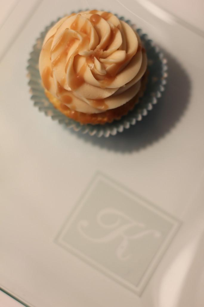 vanilla bean cupcakes with sea salt & caramel frosting