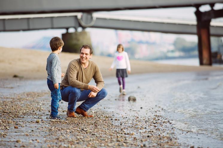 Familie an der Elbe Fotoshooting