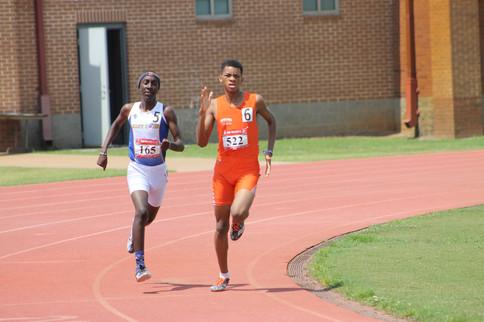 Marcellus Sells 800m