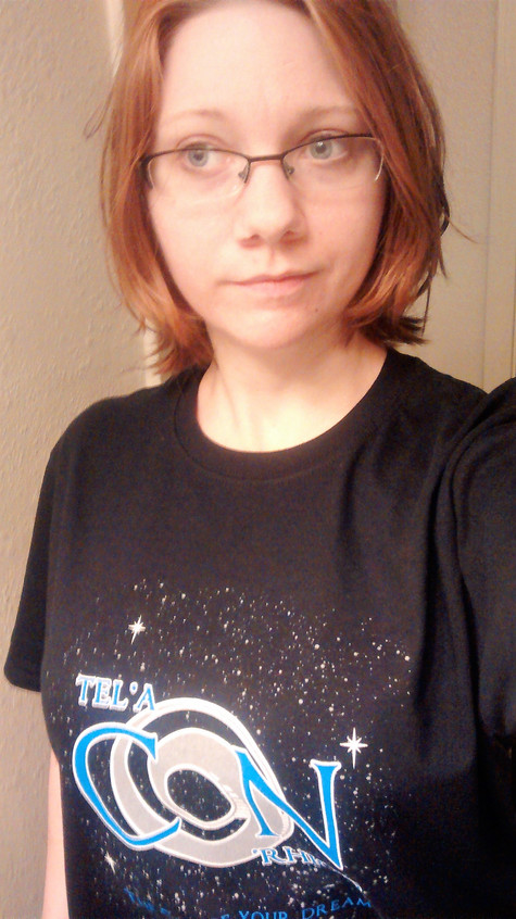 Ellie Raine with her new con shirt!