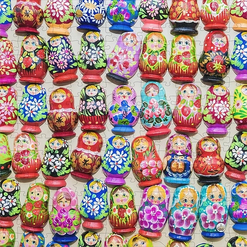 250 Piece Wooden Puzzle: Nesting Dolls