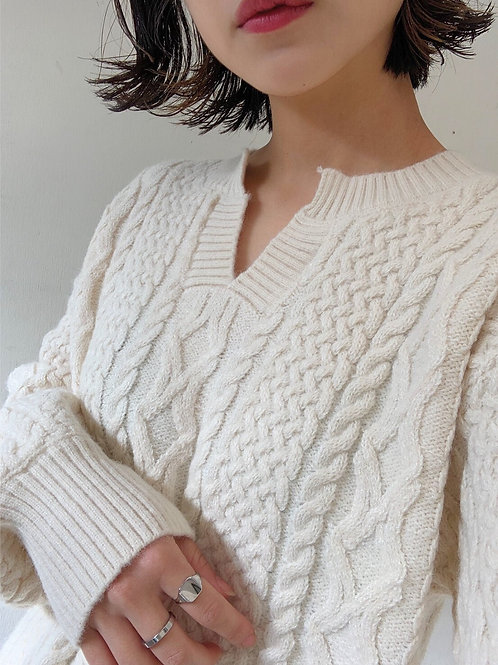 Twist V knit