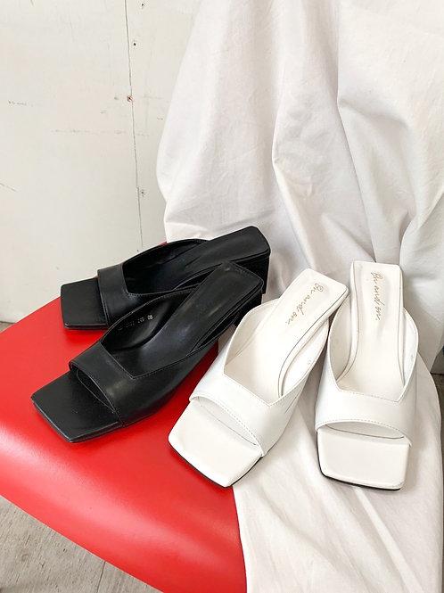 Square sandal