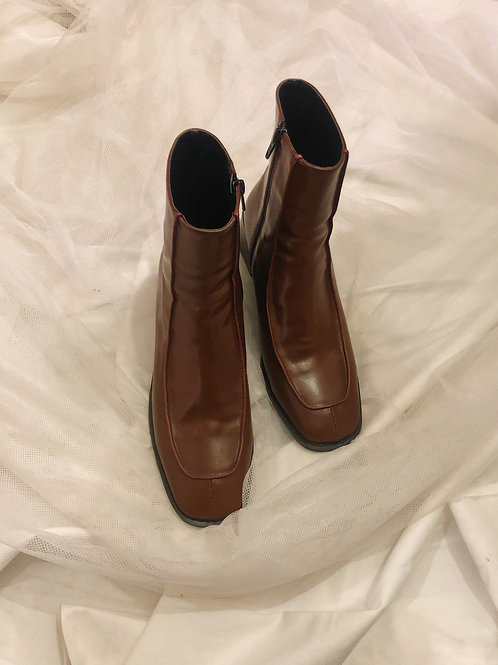 Natural leather boots
