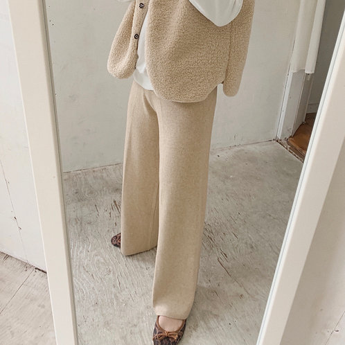 Simple knit pants