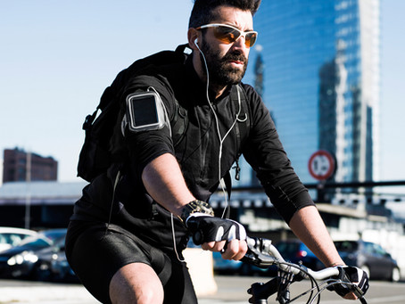 Can cyclists in Florida wear headphones?