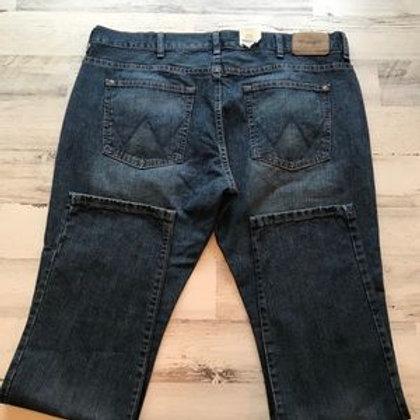 Jeans Wrangler y Lee