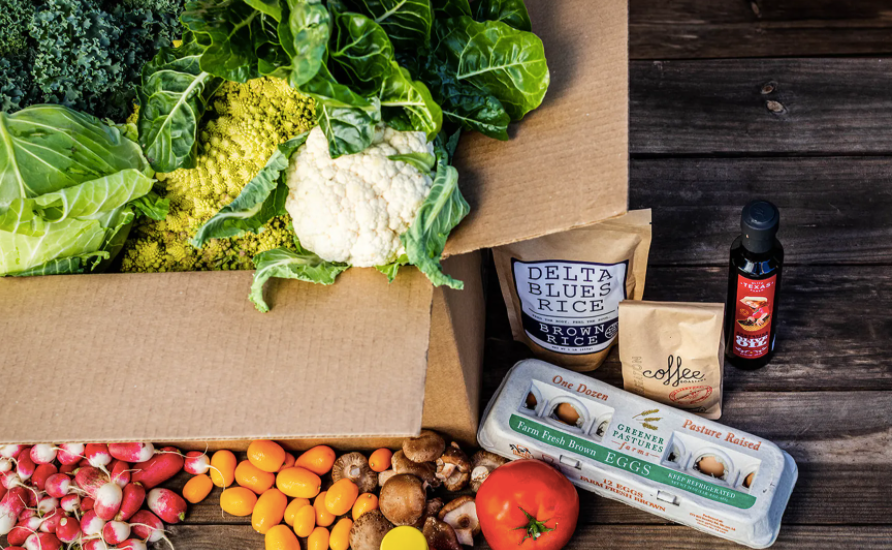 a box of local produce from Harvie Farms