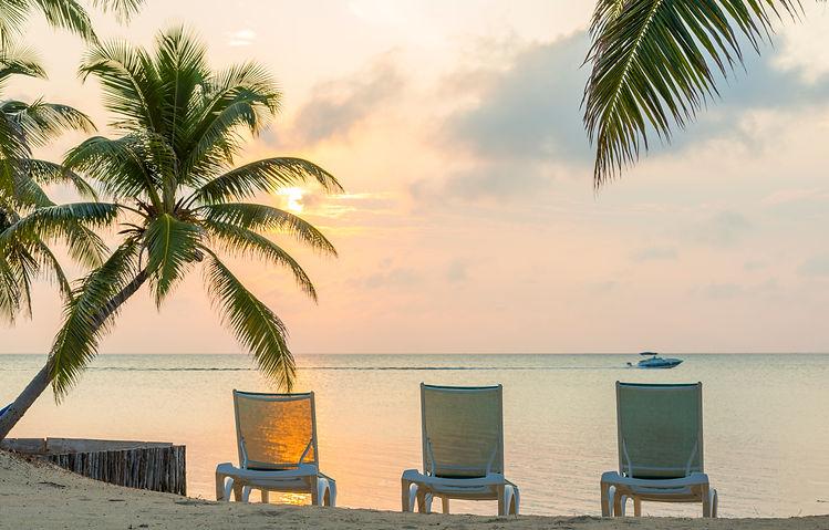 sunrise-on-dream-beach-vacation-SB5LF4X.