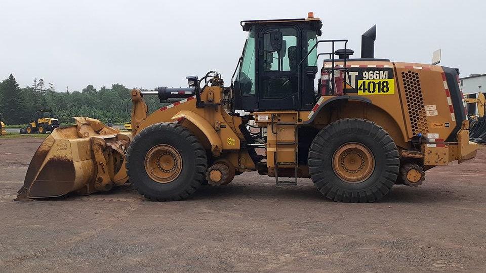 Cat 966M Hy Rail Loader