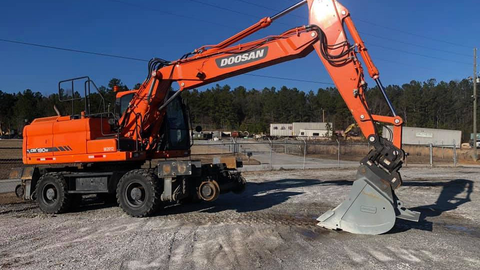 2014 DOOSAN 190-3 High Rail Excavator