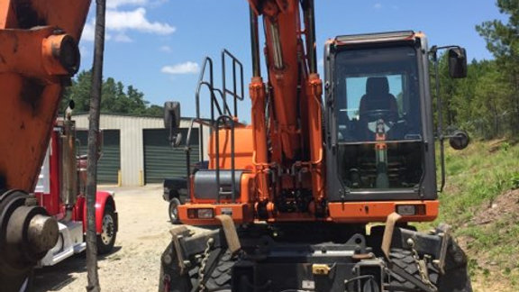 2014 DOOSAN 190-3 High Rail Excavator