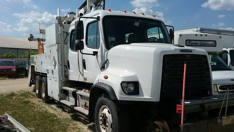 2014 Freightliner 108SD Railroad Gang Truck with IMT Knuckle Boom