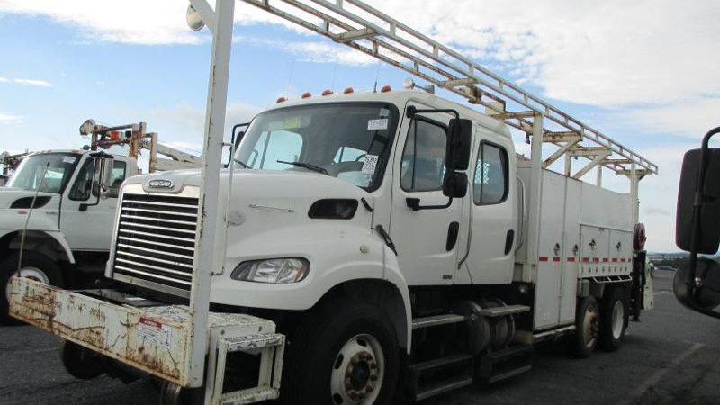 2011 Freightliner M2 Heavy Duty Gang Truck