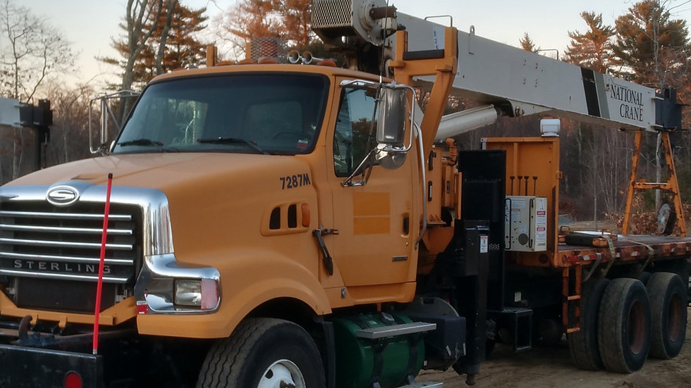 2009 Sterling LT8511 Hy-Rail Bridge Truck National 880H Crane ( 21 Ton )