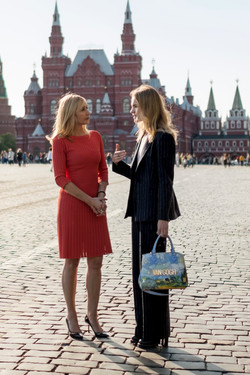 Tania & Natalia Red Square (2)