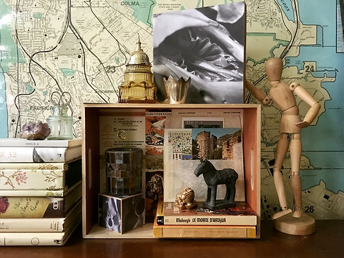 Curio Collection: Medievalist's Bookshelf Set – King Arthur