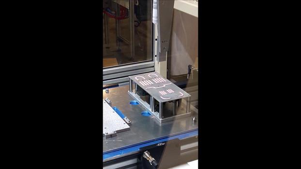 Robot de collage stabilisé