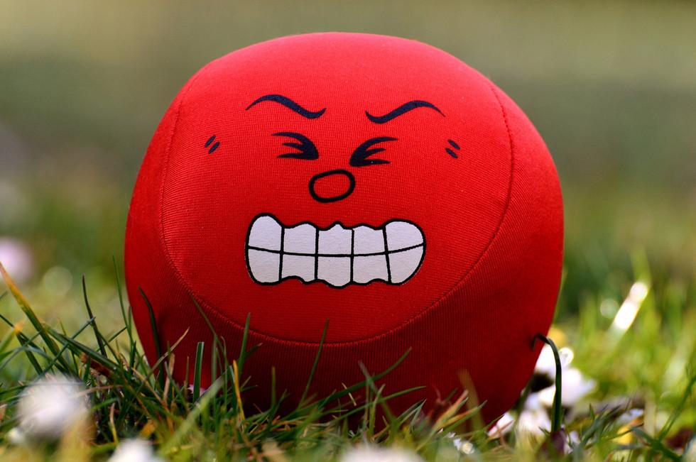 Expressando a essência da nossa raiva, completamente e de todo coração.