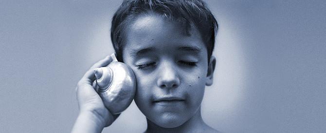 Ouvir X escutar: diferenças e possibilidades