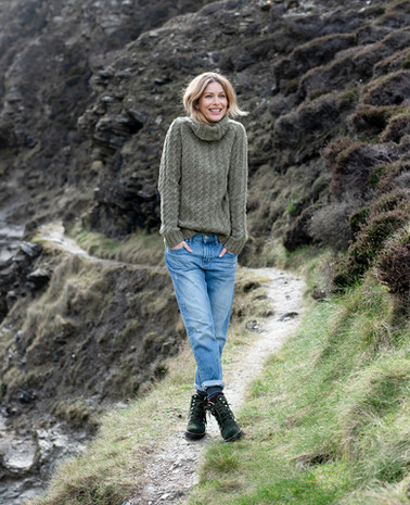 7595-Donegal_Cable_RollNeck-Moss-26.jpg