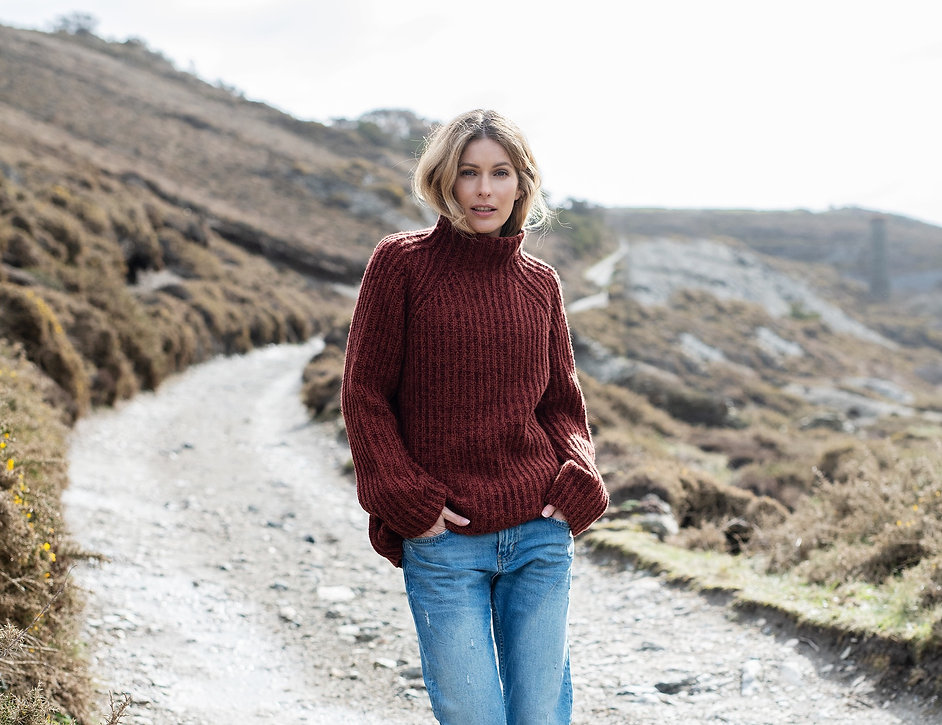 Chris Blott photographer home page fashion lifestyle knitwear modeled by Amelie Honore