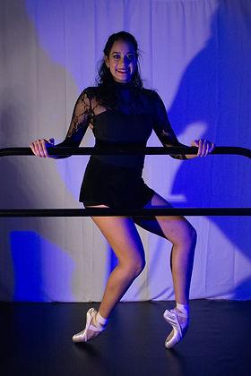 Violetta Pose 2.jpg
