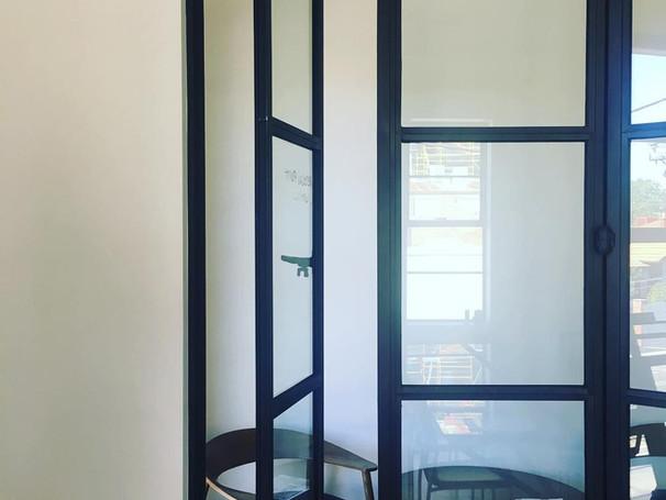 Fenêtre Basculante Verticale