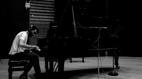 Giuseppe di Pinto - Pianist on Temperance