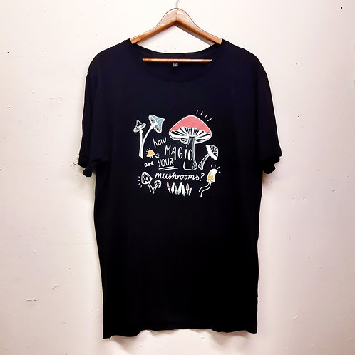 magic mushrooms organic cotton tee M