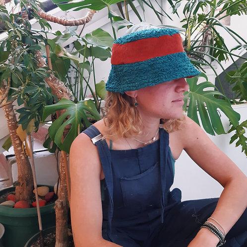 circus stripe fluffy/corduroy bucket hat