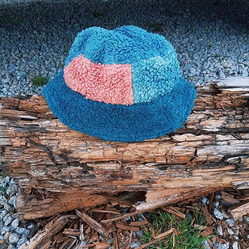 bluesey fluffy/canvas bucket hat