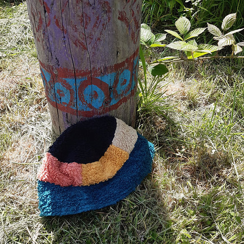 festival field patchwork fluffy/linen bucket hat