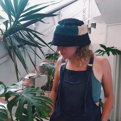 sandy beach fluffy/linen bucket hat