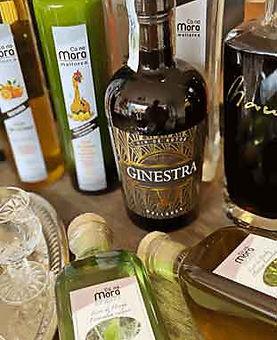 Spirituosen aus Mallorca Ginestra-Likoere und Braende