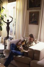 Chez lui (1987)