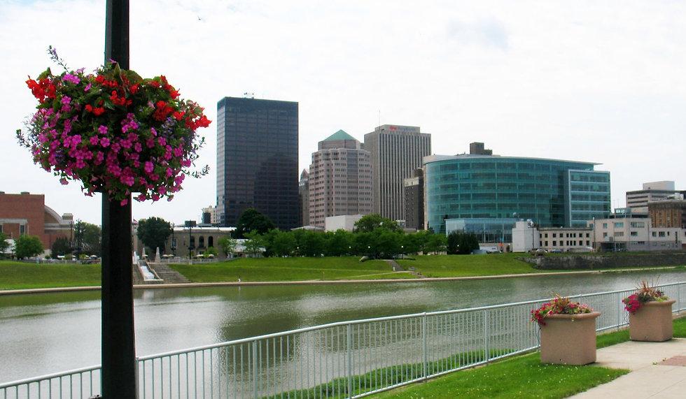 Dayton-Skyline-with-Flowers-June-091_edited.jpg