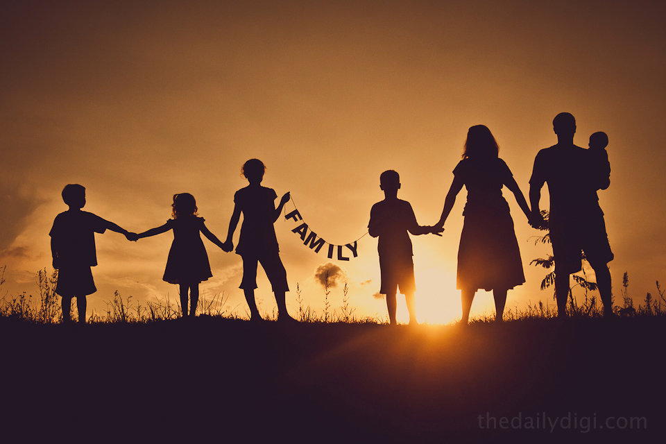 Silhouette-Family-Photography.jpg