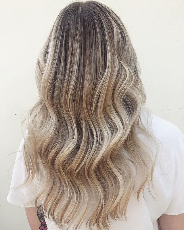 The perfect blonde to root combination!