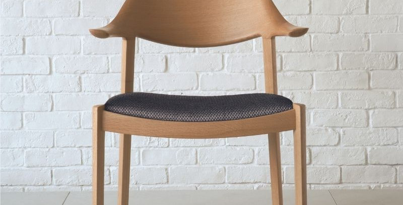 Wing Lux 半扶手椅